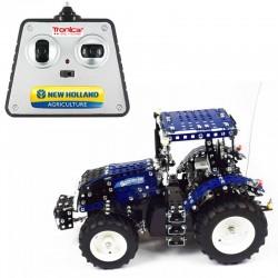 Radiostyrd Traktor New Holland T8.390 Byggmodell Metall 1:16 Tronico